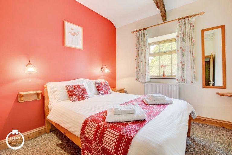 Yr-Onnen_Bedroom-1