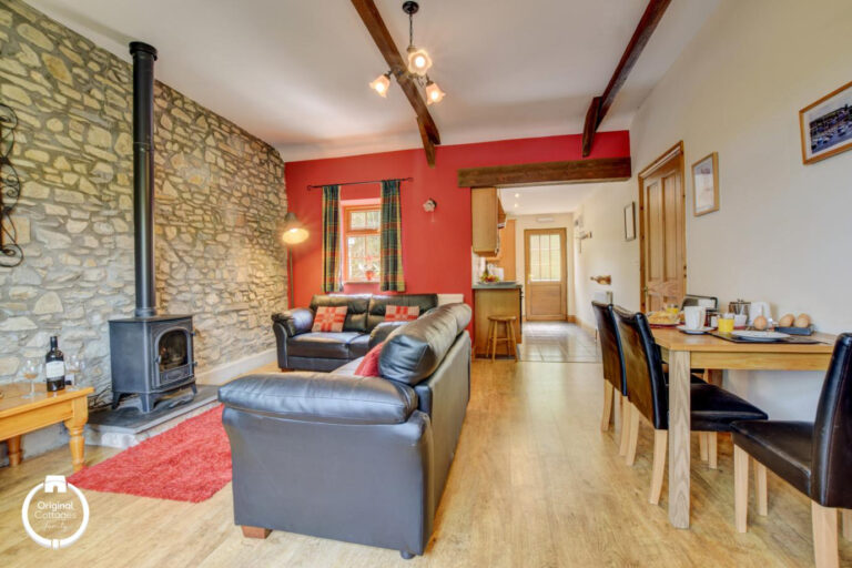 cwmcoedog_cottage__12-onnen-living